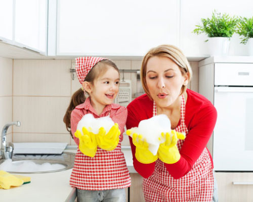 Keeping Up With Housework & Everything Else – Tips From Moms, For Moms!