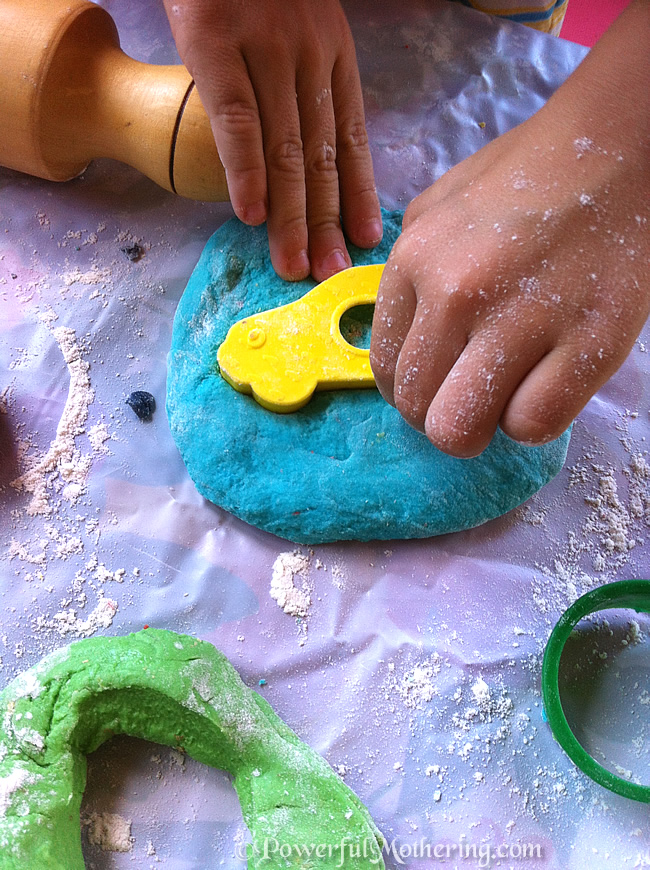 How to Make your own Play Dough - No-Cook Play Dough Recipe