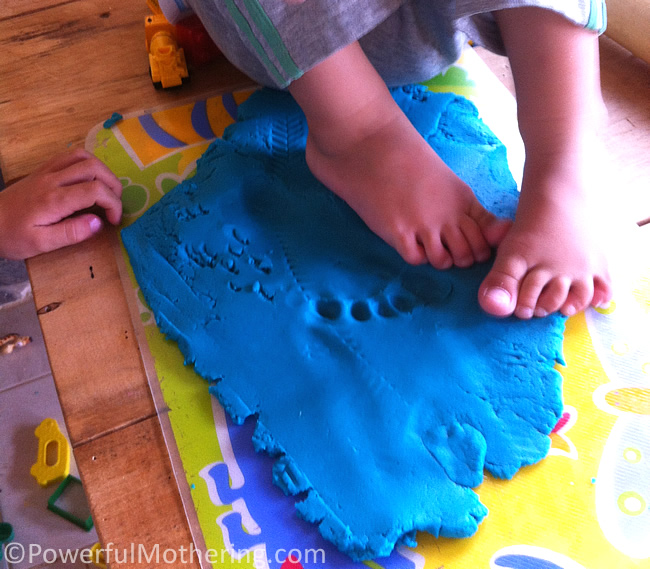 Exploring Playdough with Different Effects