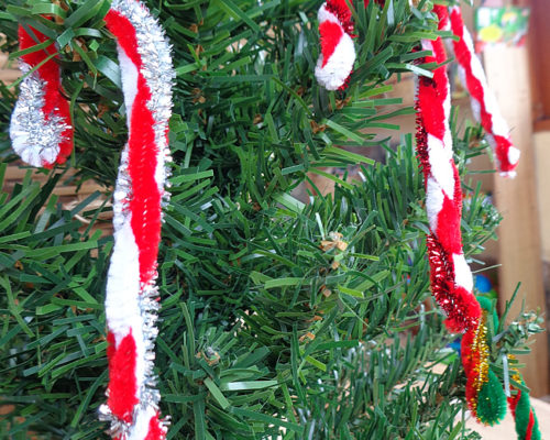 Quick Candy Cane Christmas Ornament