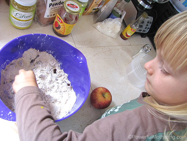 bake with me mixing muffins