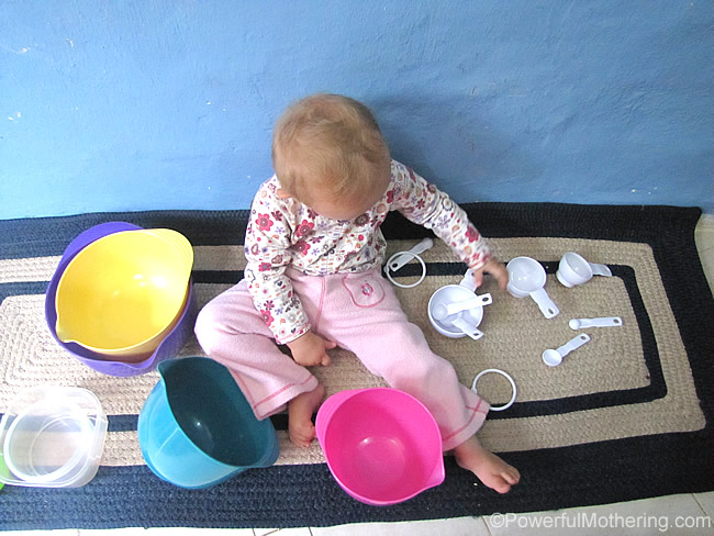 how to keep a toddler busy in the kitchen