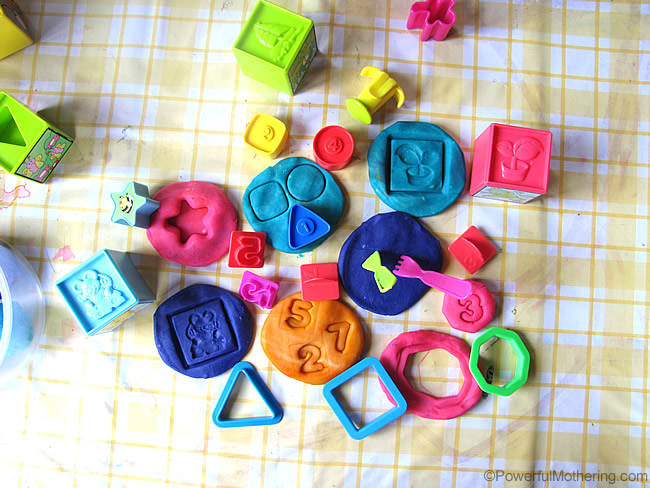 Expand Playdough play with other Toys shapes