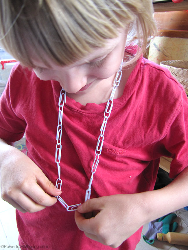 necklace from paperclips