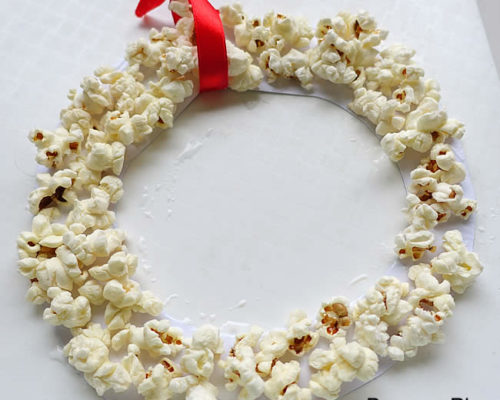 Easy Popcorn Ring – Kid Made Ornaments