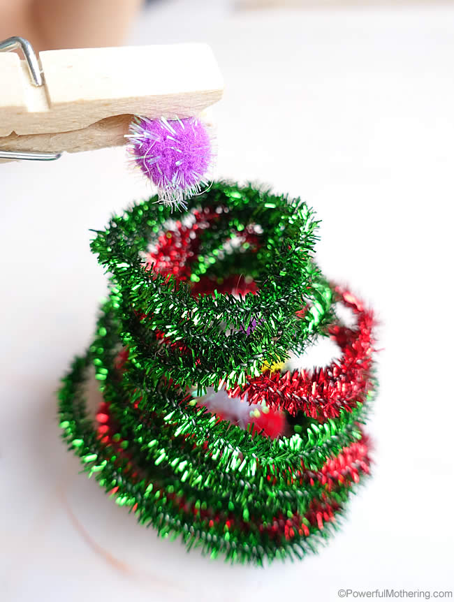 fine motor with pegs - Pipe Cleaner Christmas Tree