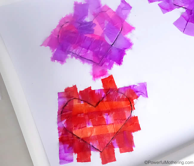 colors in tissue paper with water