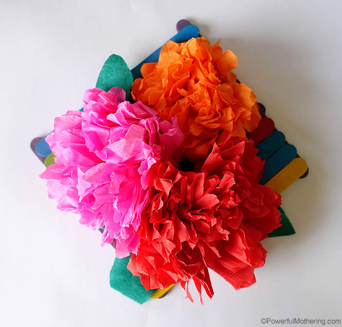 How to make crepe paper flowers video tutorial multi color crepe flowers mightylinksfo