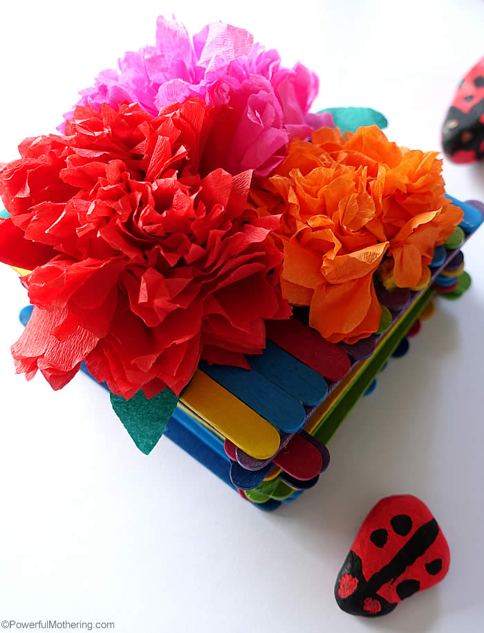 Crepe Paper Flowers for Kids
