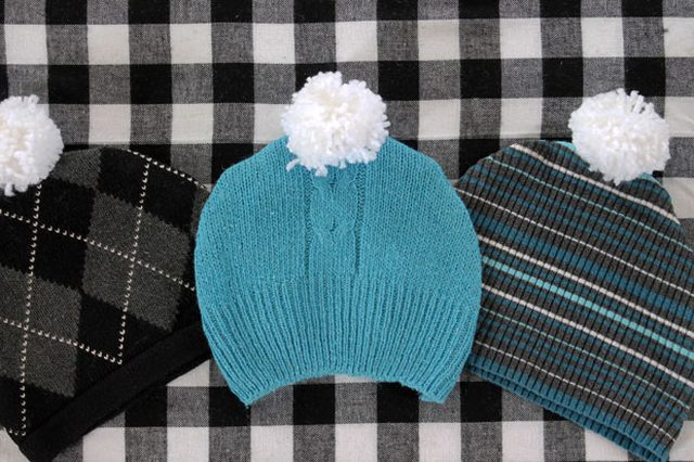 pom-pom-sweater-hat-1