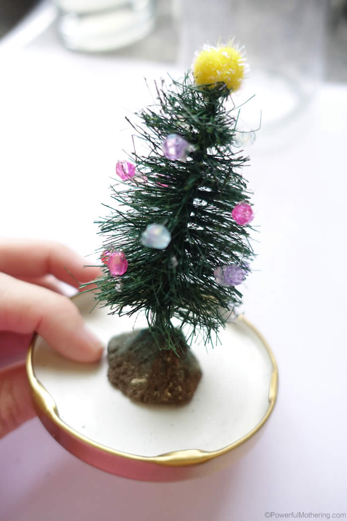snow globe with tree