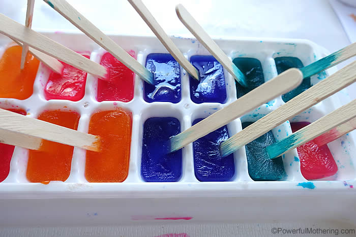 ice cubes in use for painting