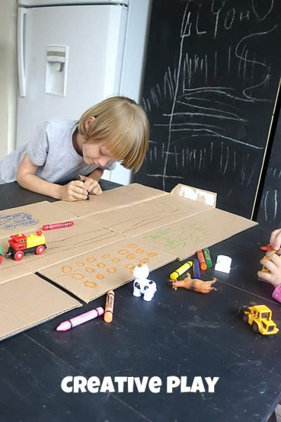 simple and easy pretend play idea with cardboard
