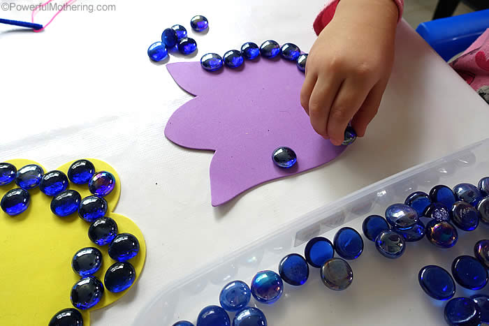 edge patterning with stones on foam shapes
