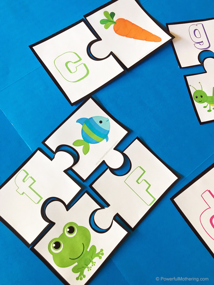 A simple printable puzzle to help children with learning beginning sounds.