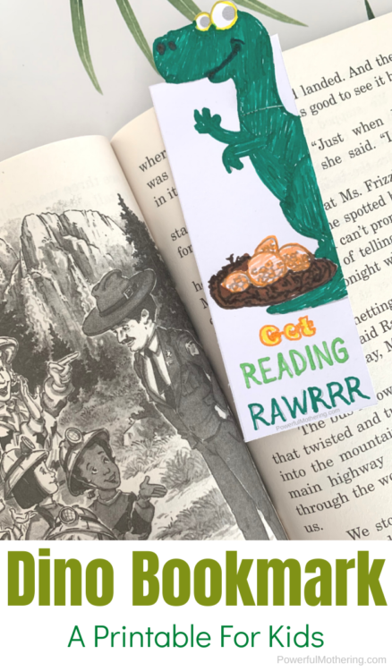 A Simple Dinosaur Activity that dino lovers will enjoy. Kids will be encouraged to read with this dinosaur bookmark!