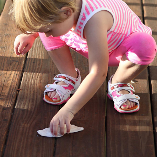 Want to get toddlers cleaning up after themselves? Start early. Toddlers are at a great age to start learning to put away their toys. Here are some ways to help them learn.