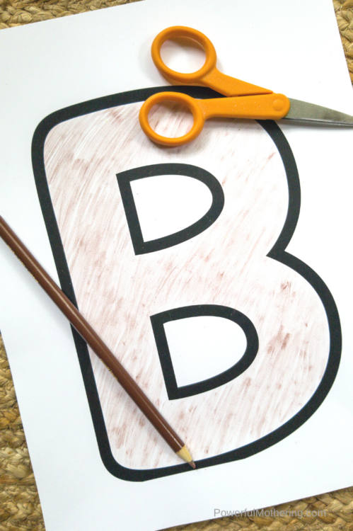 A fun letter craft for kids. The perfect addition to a letter of the week unit!
