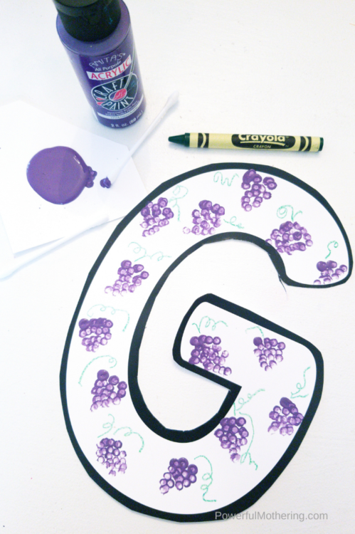 The perfect craft to help children learn the letter G and strengthen fine otor skills. This uses paint and our printable template!