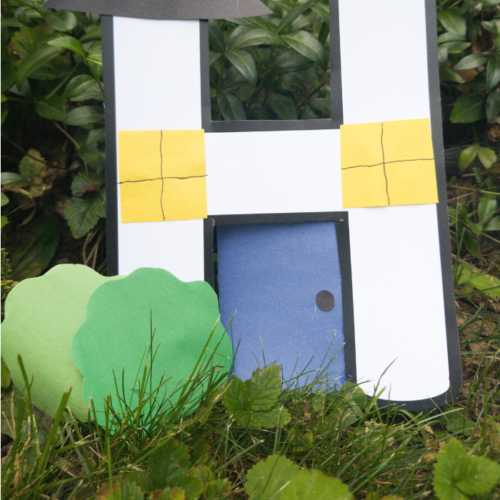 A simple craft for Letter Of The Week H. This house craft is super easy and fun!